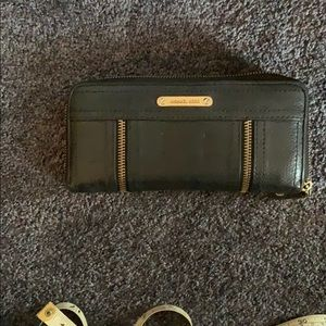 Michael Kors Large Zip around Wallet